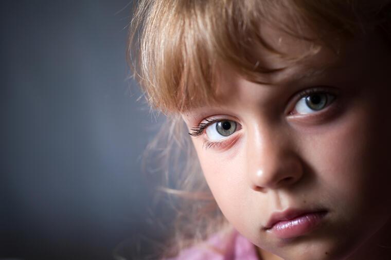 Greške u odgoju devojčice:Evo zašto ne treba da je učite da bude dobra.